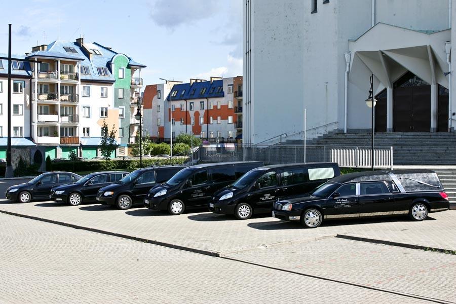 Flota pojazdów z zakładu pogrzebowego