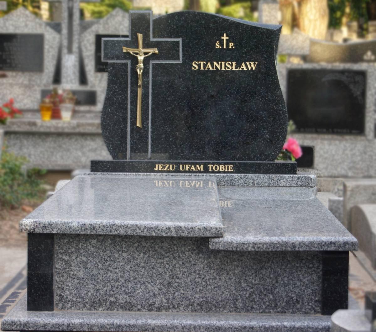 Pomnik z imieniem na cmentarzu Białystok