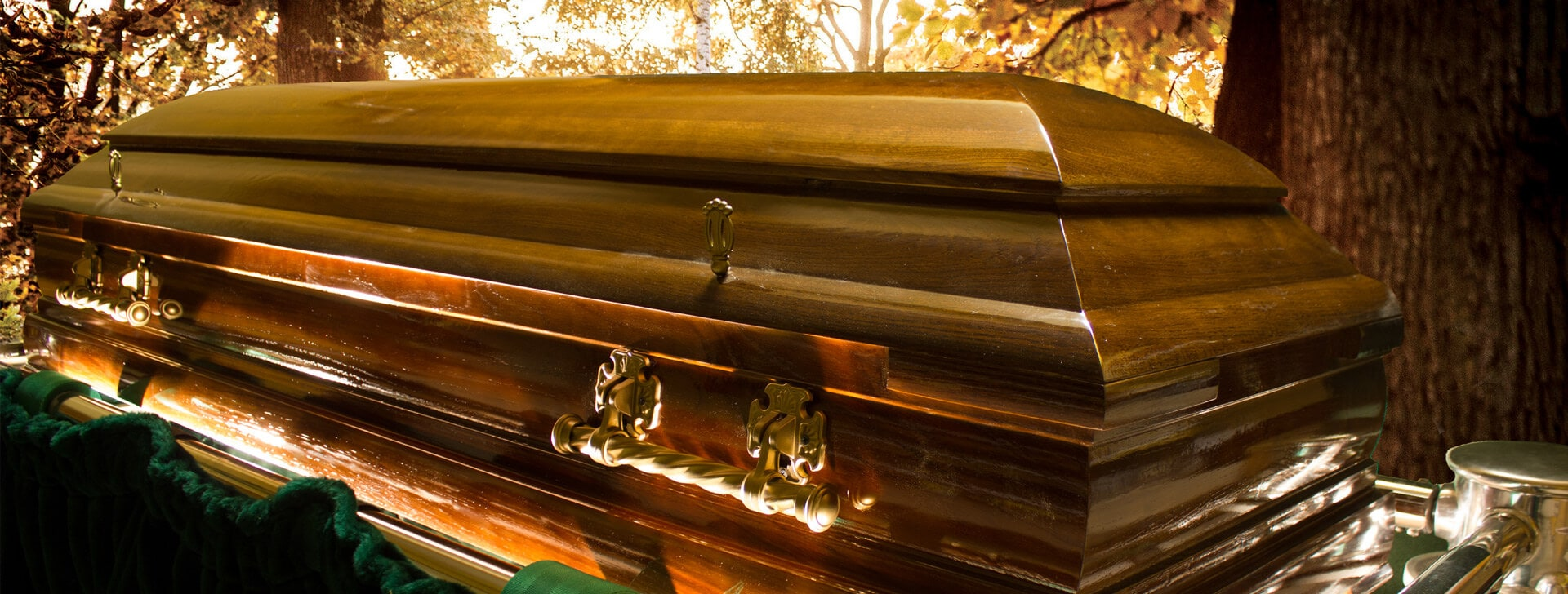 Pojedyńcza trumna z zakładu pogrzebowego